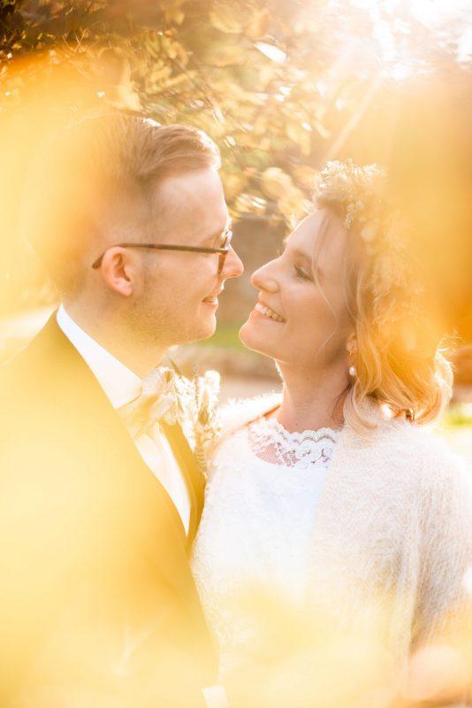 Hochzeit, Brautpaar, Brautkleid, Brautstrauß