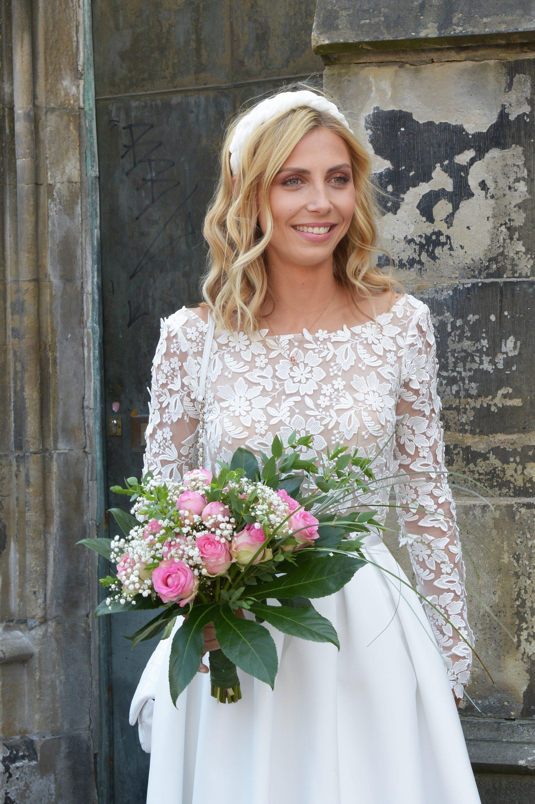 Braut im Brautkleid Clover von Rime Arodaky