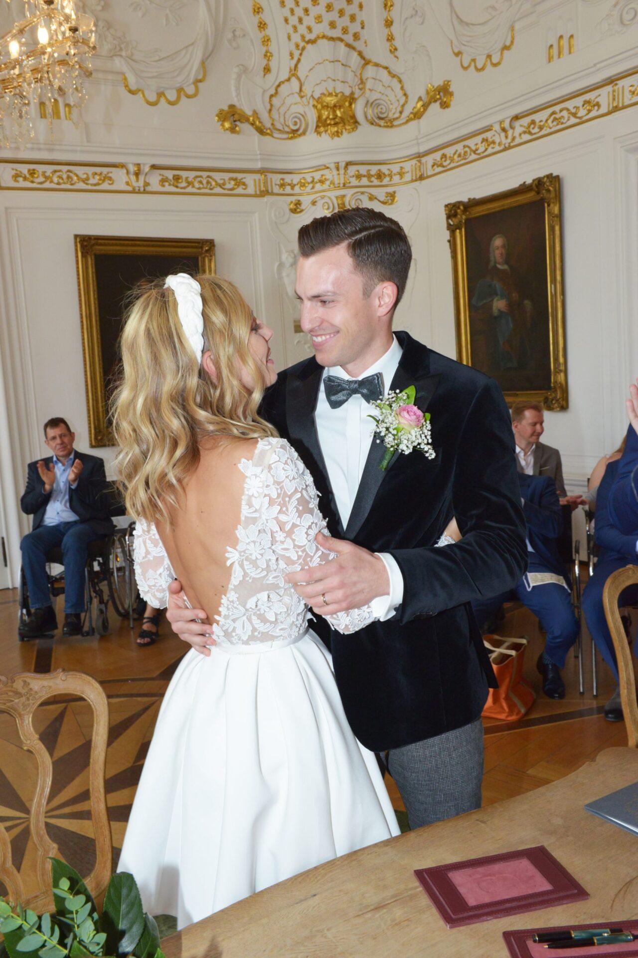 Braut und Bräutigam im Weißen Saal Aachen