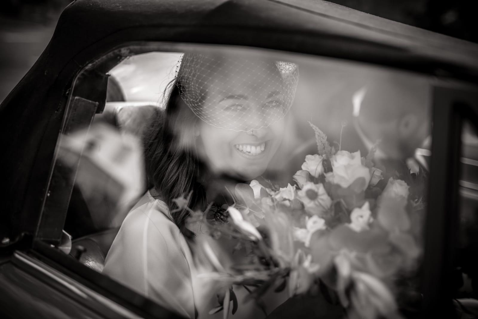 White Concepts Bride Christin an ihrem Hochzeitstag