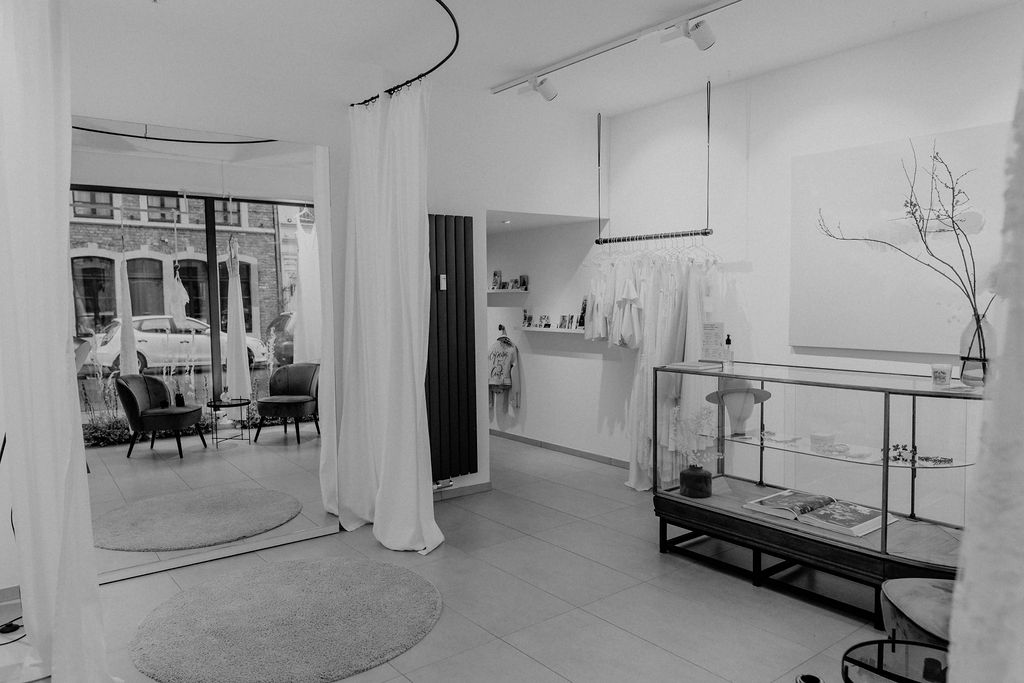 WHITE CONCEPTS Brautmoden Store Aachen About us
